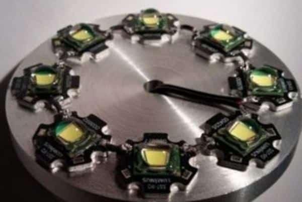 Хороший теплоотвод значительно увеличивает срок службы сверхярких светодиодов