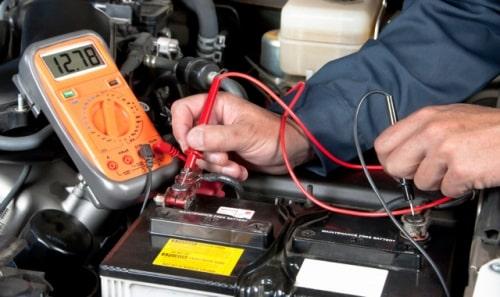 Как зарядить автомобильный аккумулятор – время, ток, напряжение
