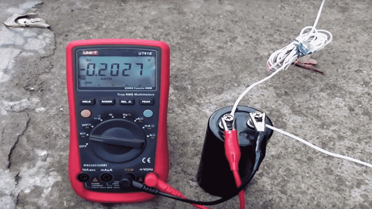 Измерьте заряд конденсатора