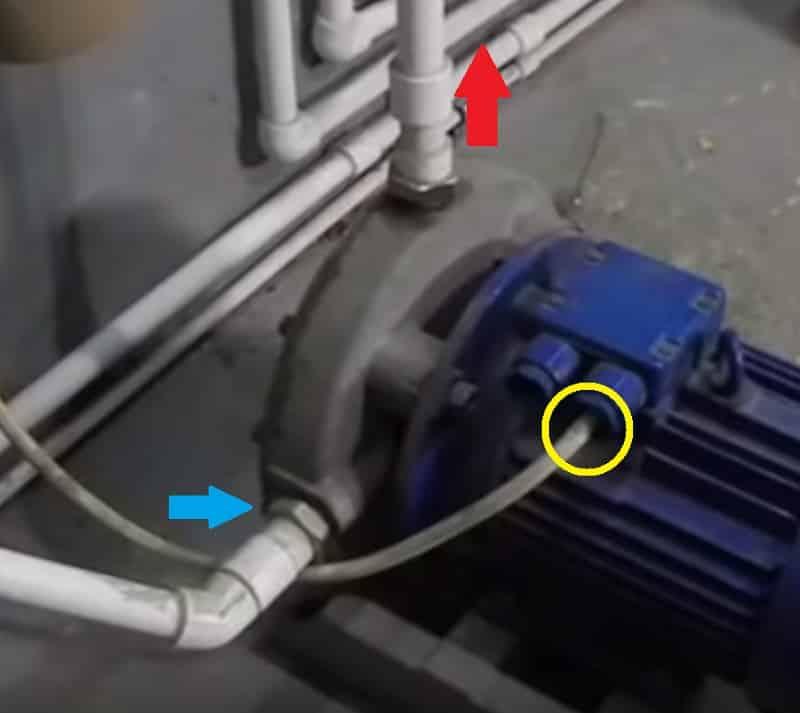 Подключите подачу воды и электропитания
