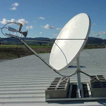 Спутниковая антенна на крыше