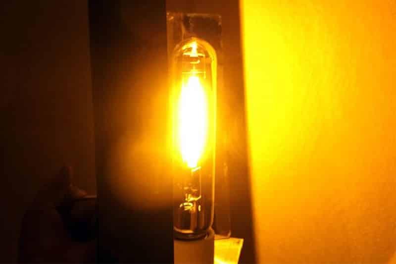 Свет натриевой лампы