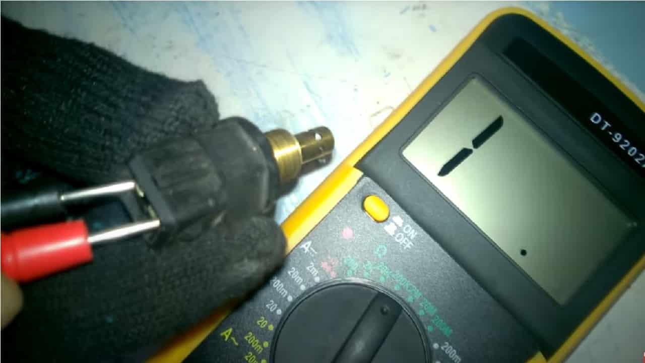 Измерьте сопротивление датчика мультиметром