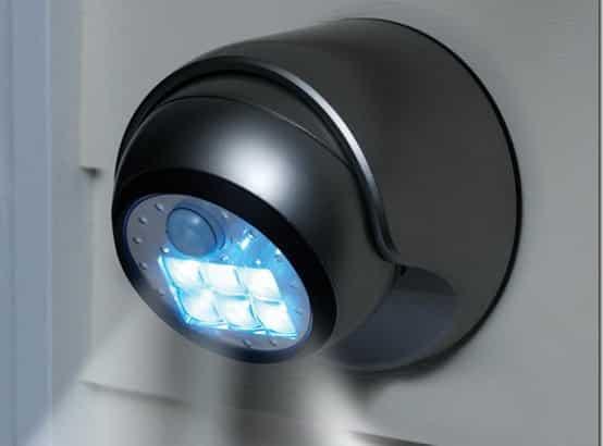 потолочный-датчик-со-светиьником-min