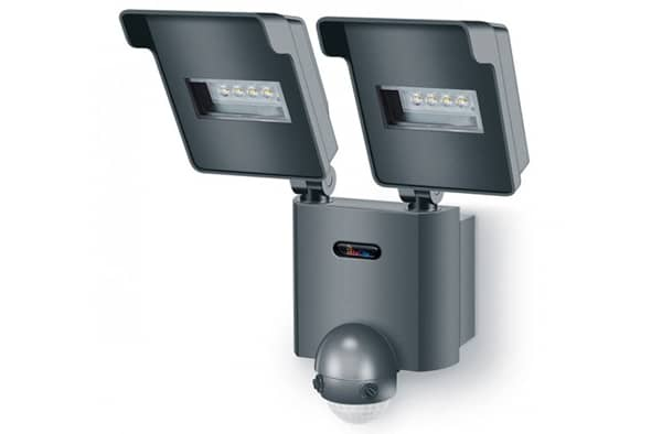 уличный светодиодный светильник с датчиком