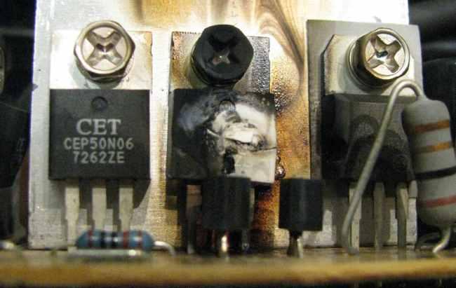 Визуальный осмотр позволяет обнаружить «сгоревшие» радиоэлементы