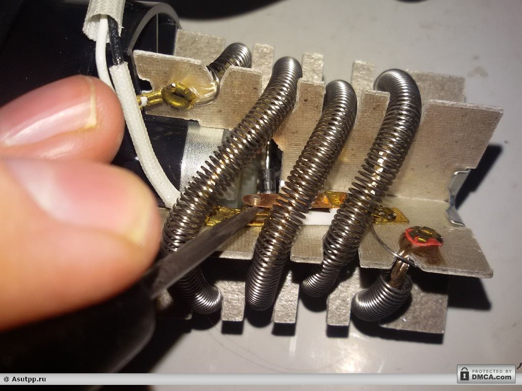 Очищаем контакты термодатчика