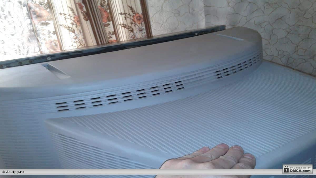 Стягиваем крышку телевизора