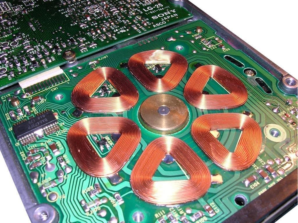 Вентильный двигатель в компьютере