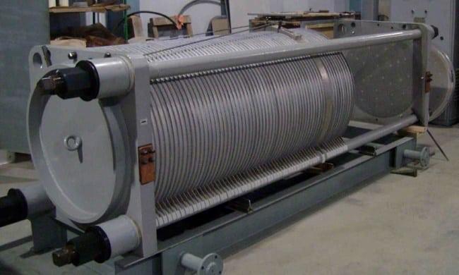 Промышленная стационарная электролизная установка, вырабатывающая 40 м3 водорода в час (СЭУ-40)