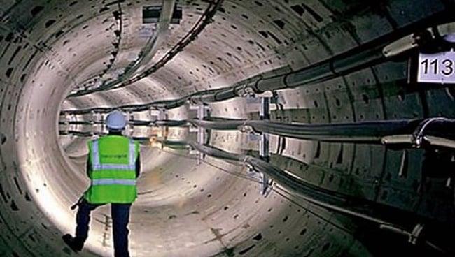 Закладка кабеля в тоннеле