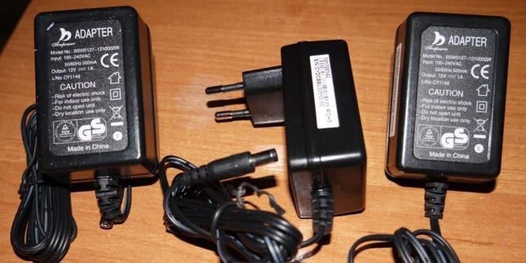 Компактные сетевые блоки питания для светодиодных лент