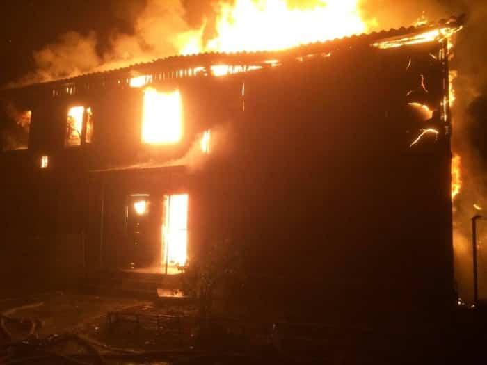Часто причины пожаров связаны с перегрузкой электросети