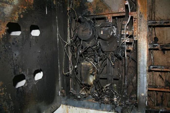 КЗ электроприборов в шкафу