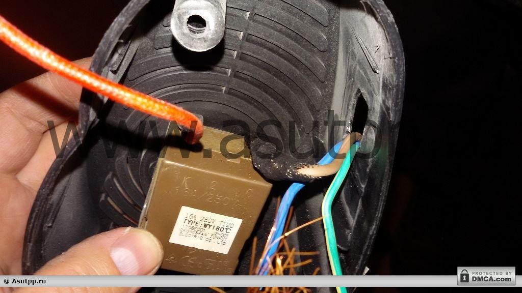 Насаживаем на вывод на терморегуляторе зажим