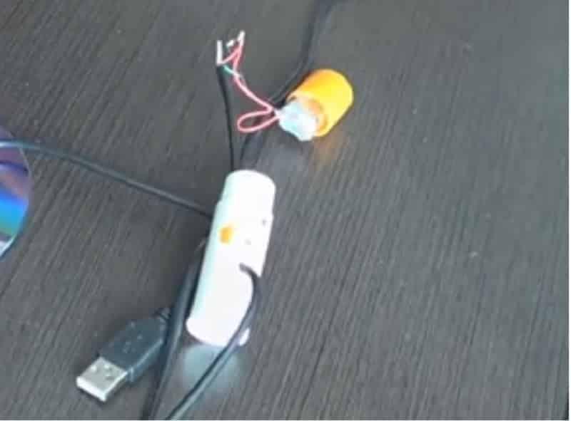 Подключите двигатель к USB шнуру