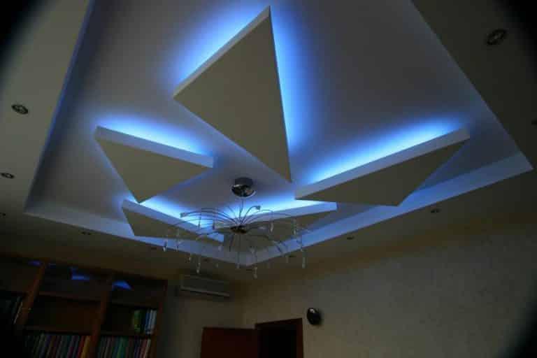 Невидимые светильники многоуровневого потолка