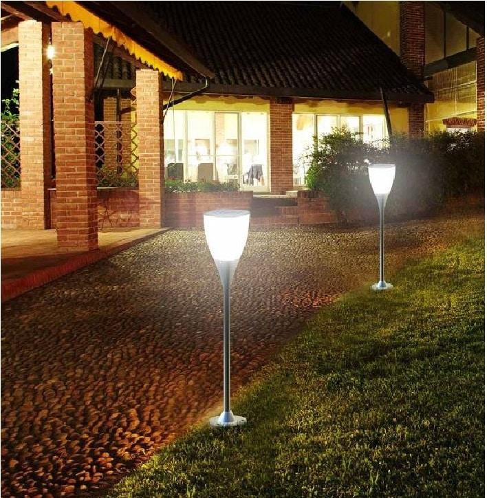 Фото идея освещения двора