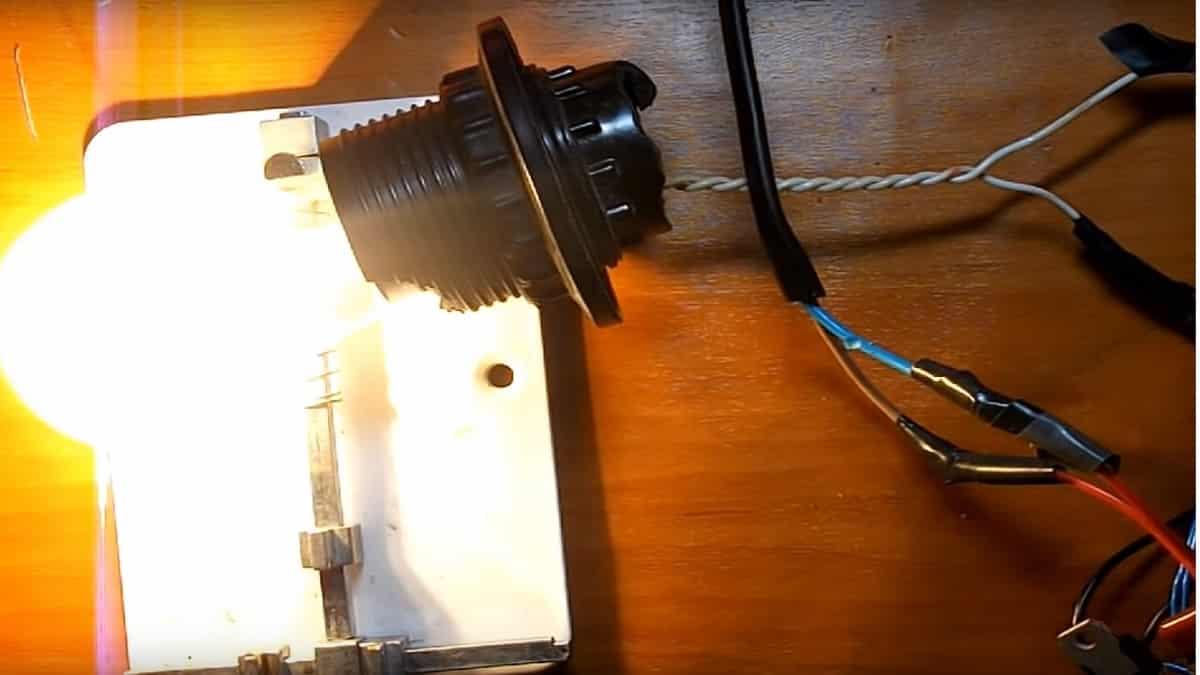 Опробуйте работоспособность на лампе накаливания