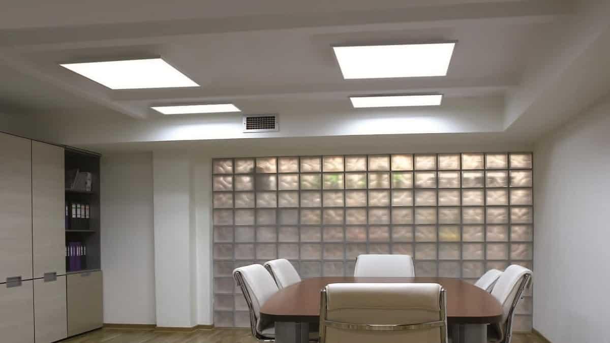 Освещение led-панелями