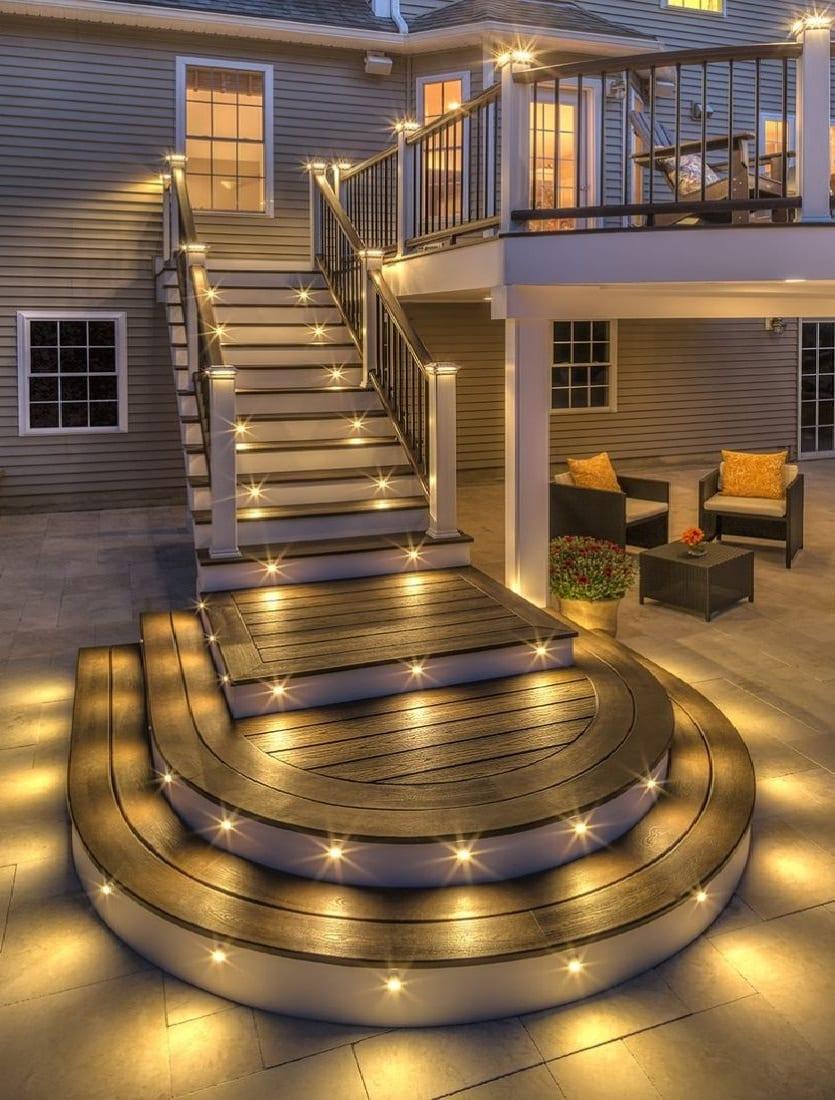 Освещение лестницы на улице