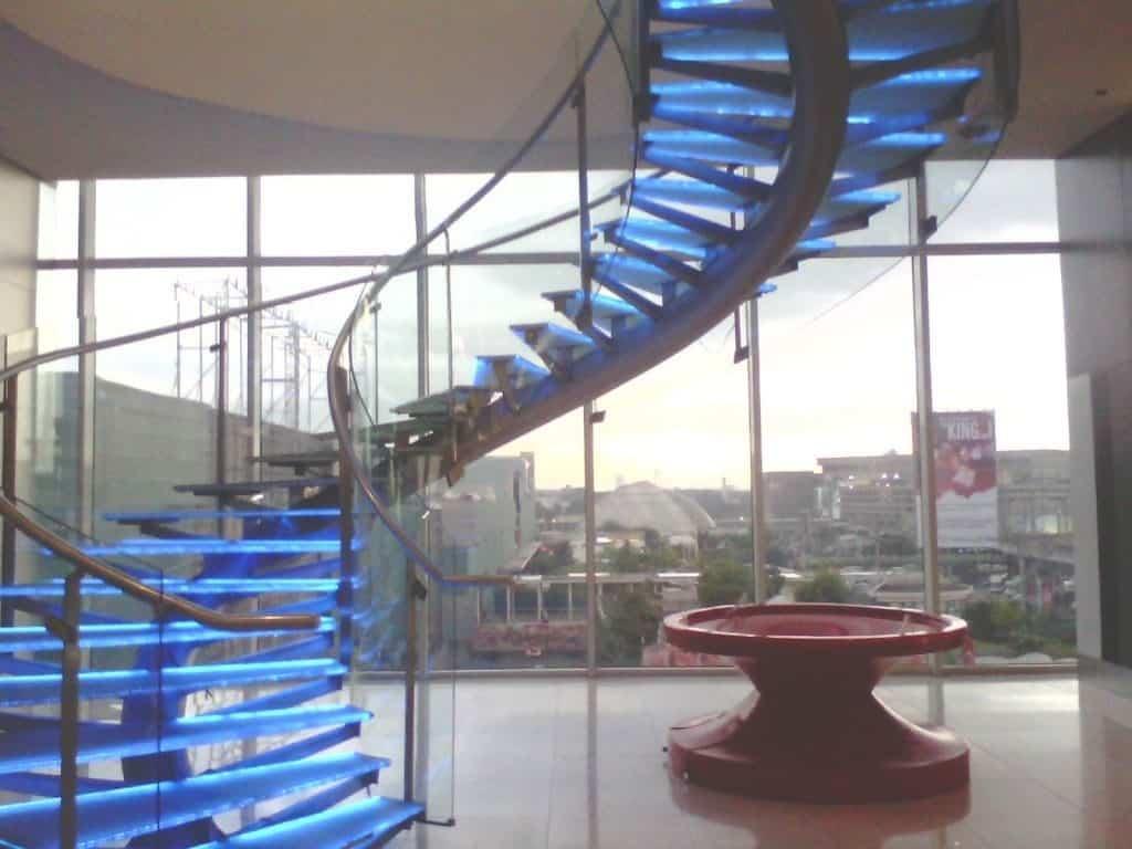 Освещение винтовой лестницы