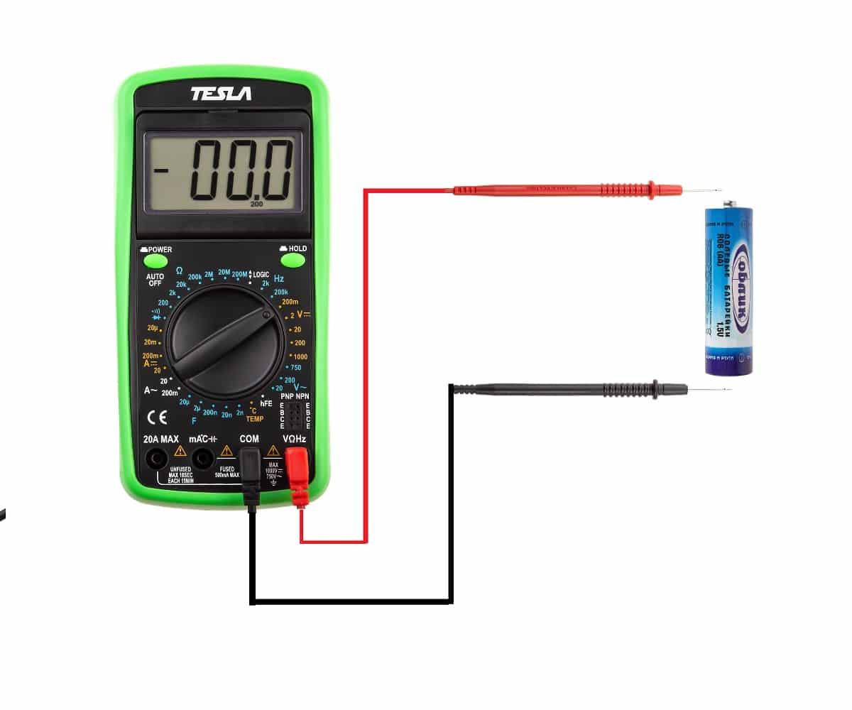 Пример измерения напряжения на батарейке