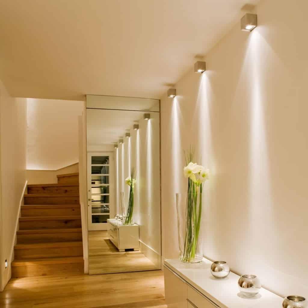 Освещение коридора с низким потолком