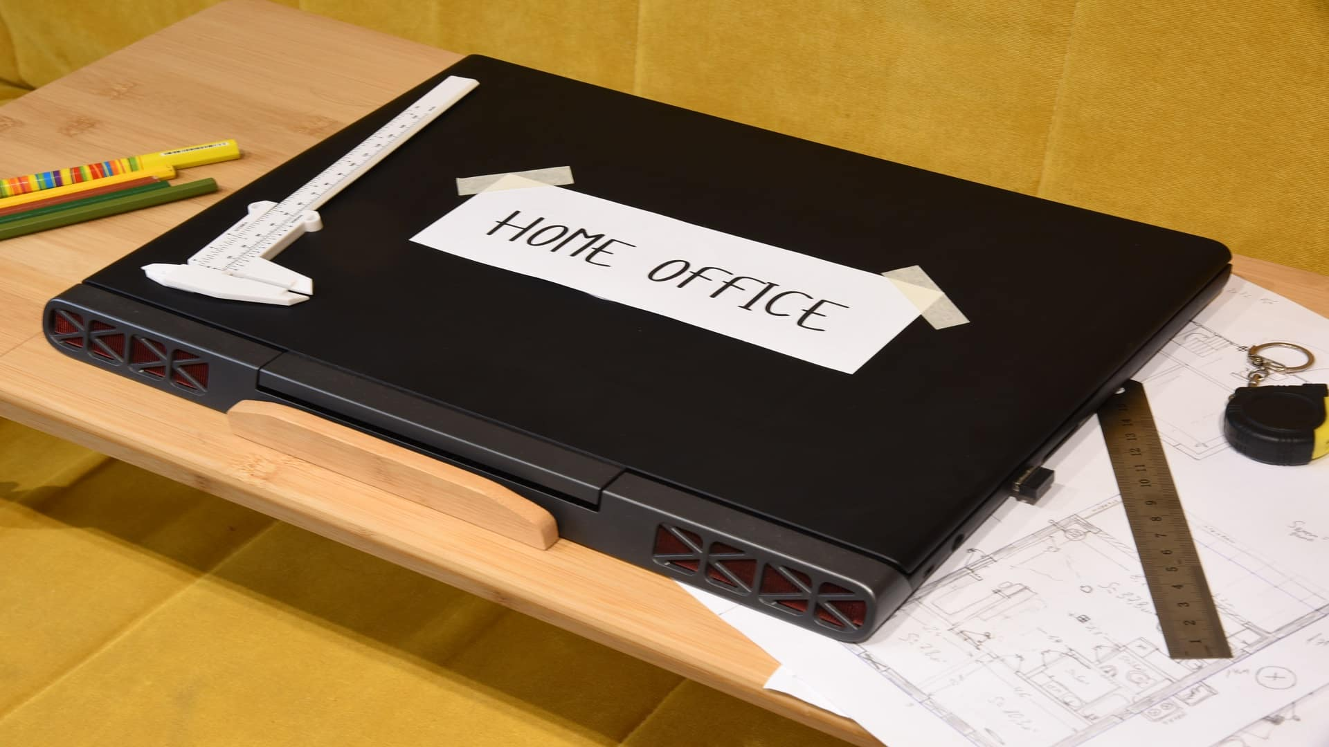 Ноутбук - пример электрооборудования класса III